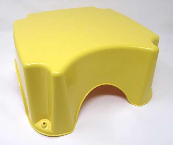Badhocker Schemel Gelb mit Anti-Rutsch-Gummis zum leichten erreichen von sanitären Anlagen von der italienischen Firma Cam il mondo del bambino
